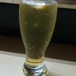 小島屋 - 下町を席巻する杏色の大衆飲料