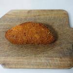 カレーハウス CoCo壱番屋 - 料理写真:ミートカレーパン(180円)