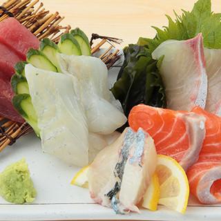 串もの<1本100円~>◎新鮮な魚介を使ったお料理も自慢♪