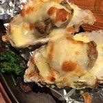 刺身屋新太郎 - 牡蠣のチーズ焼き