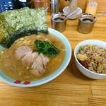 竜家 - ラーメン並 ¥680  ネギチャーシュー丼 ¥150