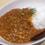 むぎとオリーブ - 「トマトキーマカレー 」 ランチタイムに麺とセットでオーダーすると200円、通常は300円。