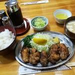 82111892 - 評判の牡蠣バター定食 (2000円)