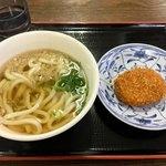麺通堂 - 本日のお昼ごはん 丸亀店と違い麺は太さ一律でした