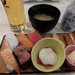 エピナール那須 - 夕食:寿司など