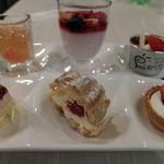 エピナール那須 - 夕食:いちごフェアデザート