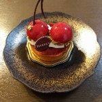 四季菓子の店 HIBIKA - さくらんぼ