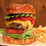 バーガークラフトマン - 料理写真:アボカドチーズバーガー