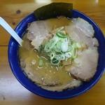82129879 - 「チャーシュー麺(味噌)」970円。
