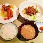 82131337 - 洋食Katsuiコンビ