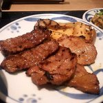 ねぎし - 牛カルビ、豚ロース、豚旨辛焼
