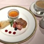 サミット - 飛騨牛ステーキ食べ比べコースのデザート
