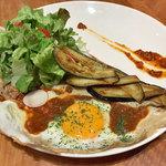 クレープリー ル ブール ノワゼット - 粗びき肉と茄子のミートソースガレット