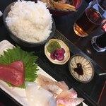 天然魚 鯛平 - 刺身定食 800円
