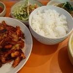82141647 - イカ炒め定食。