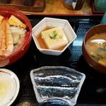 長篠食堂 - 海鮮ちらし寿司定食(一日5食限定)