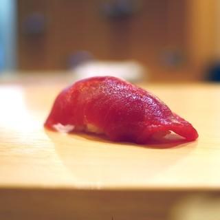 鮨 なんば - 料理写真:鮪赤身