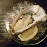 82144542 - 生牡蛎。オマケ程度と思ったほうが吉