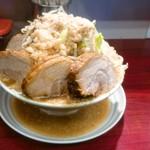 麺 五六 - 豚増大ラーメン(980円)野菜アブラ増し濃いめ