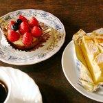 8215388 - ケーキをダブルで注文したコーヒーとのセットです。
