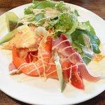 cafe&restaurant Nature  - サラダ(海鮮入りです)