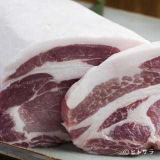 お肉は鮮度と味を毎日チェックし、納得したもののみを使用します