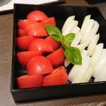 82152111 - すき焼きの具 トマトと玉ねぎ