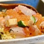 鮨 北新地 なか匠 - 絶品のチラシ寿司