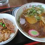 うらほろ亭 - 豚丼とラーメンセット1,100円