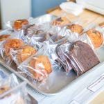 アカツキコーヒー - 店内 焼き菓子
