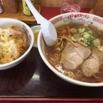 旭川ラーメンこぐまグループ - 醤油ラーメンとミニカツ丼