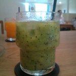 fruits cafe' trio - キウィのフレッシュジュース