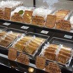 スイートショップ・タカ - 焼き菓子も豊富