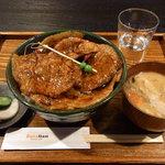 ブタリアンレストラン - ランチ豚丼880円