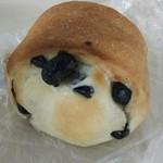 リーブル - 料理写真:丹波黒豆パン