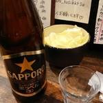 はなまる串カツ製作所 - 瓶ビールとつまみのキャベツ