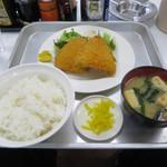 一休食堂 - アジフライ定食