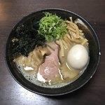 麺座 かたぶつ - 【限定】濃厚煮干し鶏白湯 全部のせ