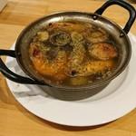 82189246 - エビとマッシュルームのオイル煮
