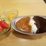 スパイス - ミックスカレー、生卵、サラダA