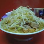 ラーメン 麺徳 - 豚入り大ラーメン(太麺、そのまま)