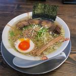 博多商店 - 料理写真:「とりそば(塩味)」(550円)。