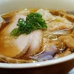 ラーメン屋 トイ・ボックス - 料理写真:ワンタン醤油ラーメン