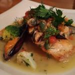 和献洋菜Hi-Bi - コショウ鯛のムール貝ソース