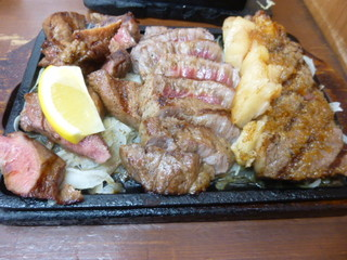 肉家まるまさ - 肉焼き盛り