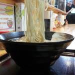節極 - 白豚骨690円麺アップ