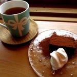 森のくまさんcafe - 料理写真:ケーキセット(紅茶)!