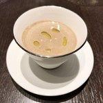 82198922 - モリーユ茸とシャンピニオンクリームスープ                            -ポテトのムースリーヌを添えて-