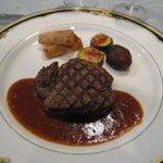 822020 - 牛ヒレ肉のグリル エシャロットソース
