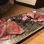 個室 肉割烹 KATANA - 愛知牛ステーキと熟成サガリステーキの食べ比べ